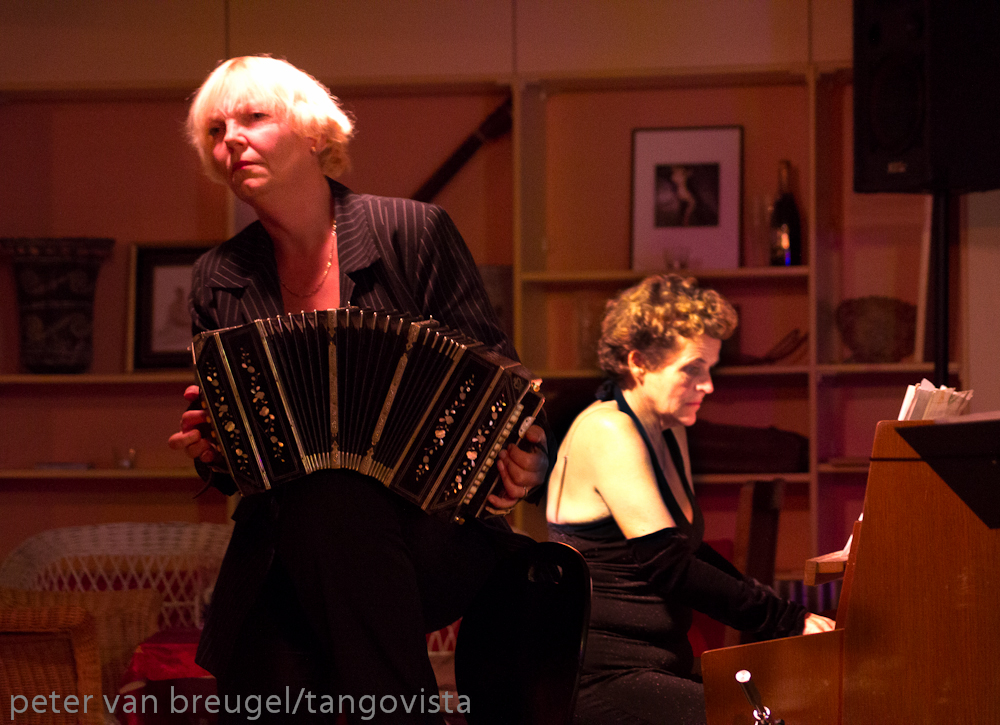 http://www.podiumvlieland.nl/images/evenement/Margreet_en_Jacq_duo.jpg